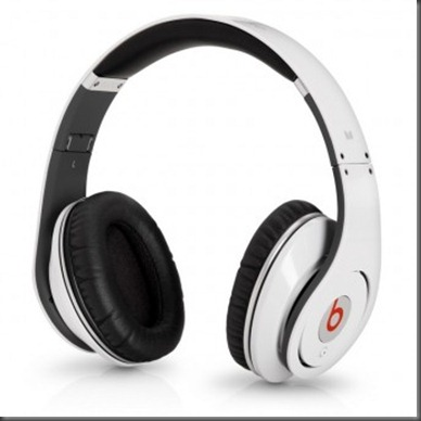 Monster Beats by Dr. Dre Studio High Definition Powered Isolatio White